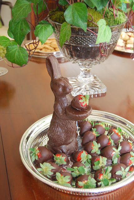 A cute Idea for chocolate covered strawberries at Easter...a platter of them with a chocolate bunny centered in the middle of them! http://www.candywarehouse.com/products/solid-milk-chocolate-24-ounce-easter-bunny/