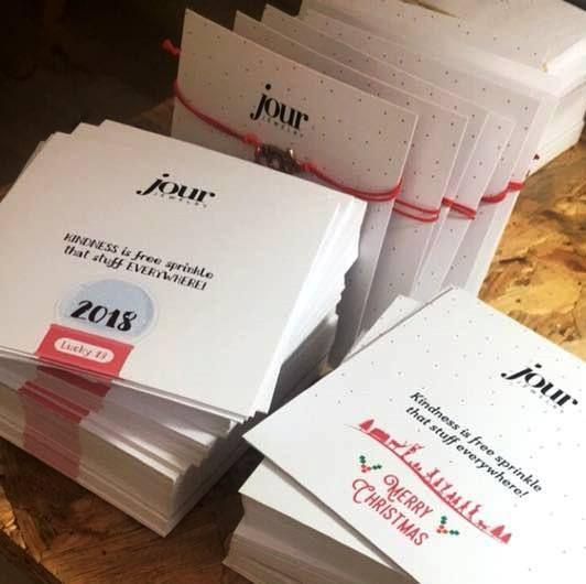 Το Τaλκ και το κατάστημα κοσμημάτων Jour διοργανώνουν διαγωνισμό και χαρίζουν σε 2 τυχερούς αναγνώστες ριστουγεννιάτικα γούρια για το 2018.