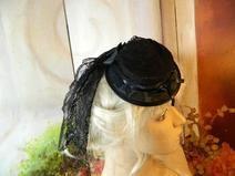Mini Damenhut Sommerhut Rosen grau schwarz Gothic