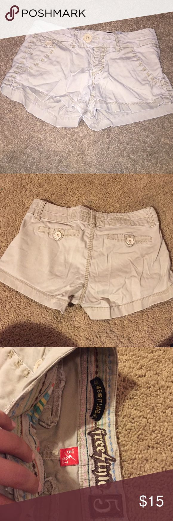 Beige shorts Beige shorts! Super cozy. No back pockets Shorts