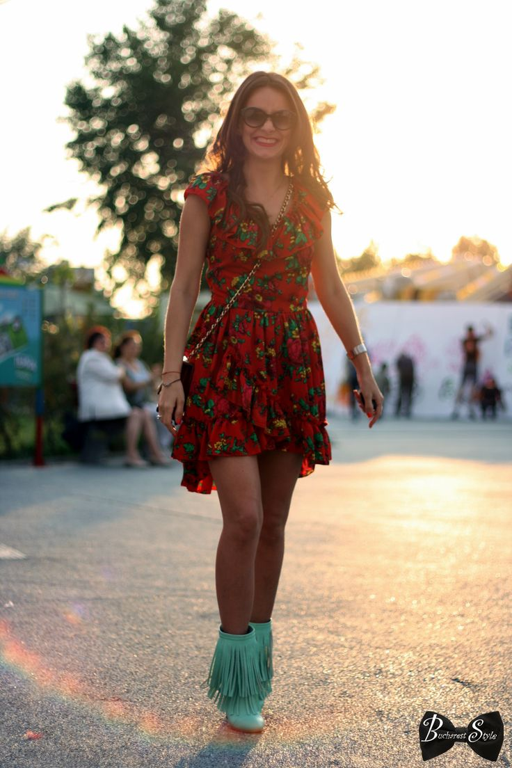 summer fashion pastel, floral dress, cowboy boots, street style, bucharest style, summer mood