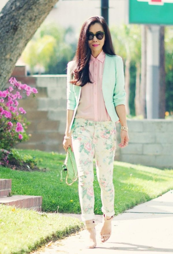 Trendy Outfit Ideas with Floral Pants (55)