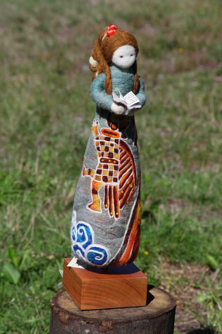 """Otra """"Muñika"""" de Paula, con detalles étnicos en el diseño del vestido."""