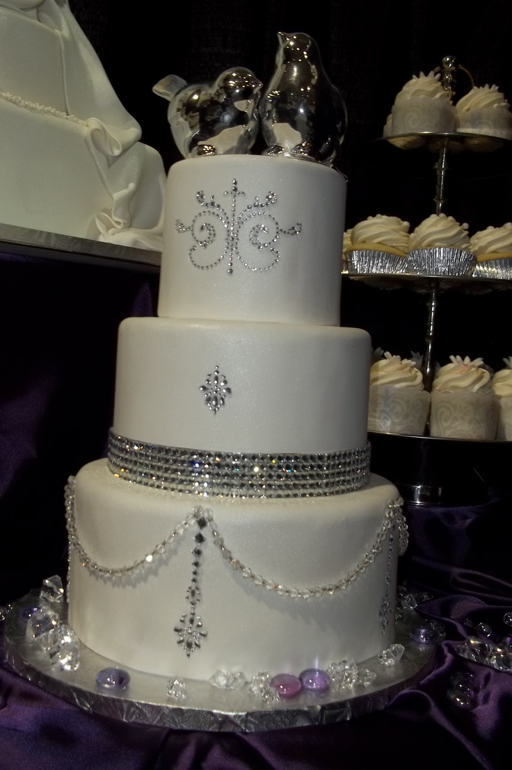 bling wedding cake designs 2084 best wedding ideas for friends in the future 11925