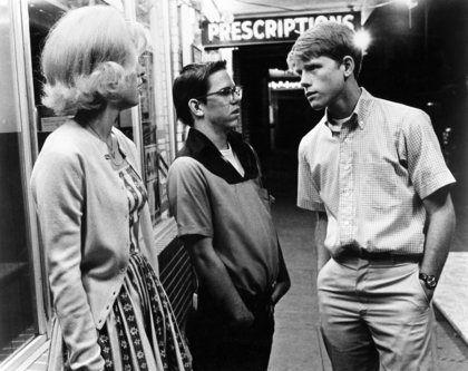 Candy Clark, Charles Martin Smith, Ron Howard in American Graffiti (1973)