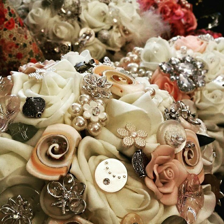 Close up detail of my bouquets.. www.dawniesweddingbouquets.co.uk.🌸