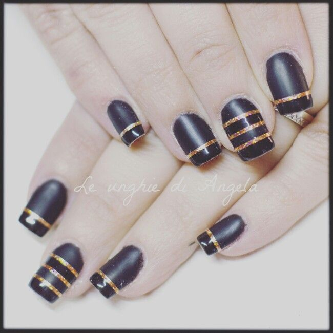Gel polish, matte and shiny stripes with striping tapes