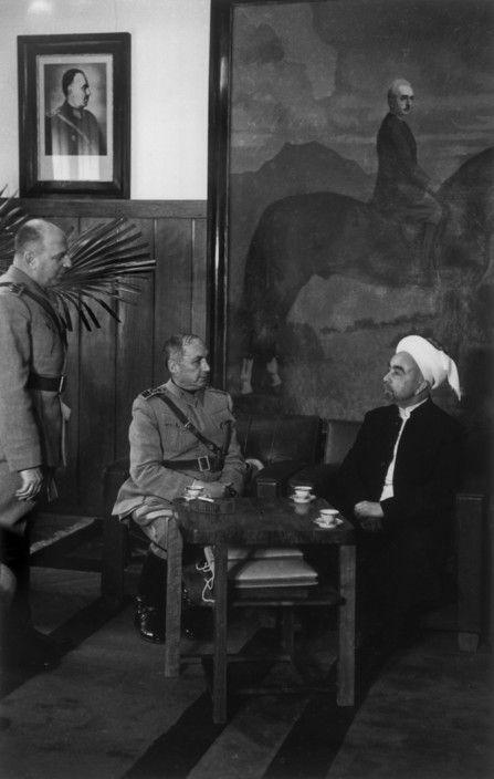 Istanbul. 1946. King ABDULLAH of Trans-Jordan and Turkish prime minister//Robert Capa