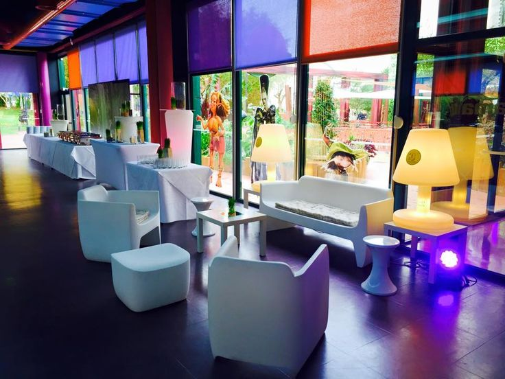 Petit salon proposé aux invités lors de l'évènement #futuroscope #goodmoon #tama #events www.goodmoon.fr