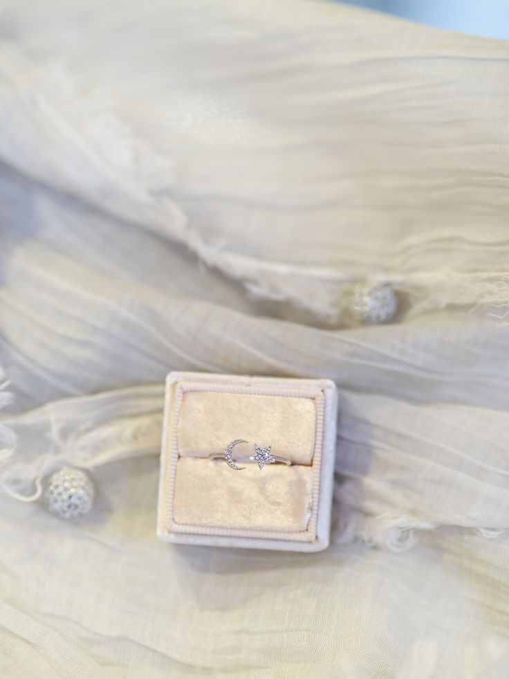 #ring #rose #rosegold #diamonds #precious #love #moon #star #jewellery #pink #mrsbox