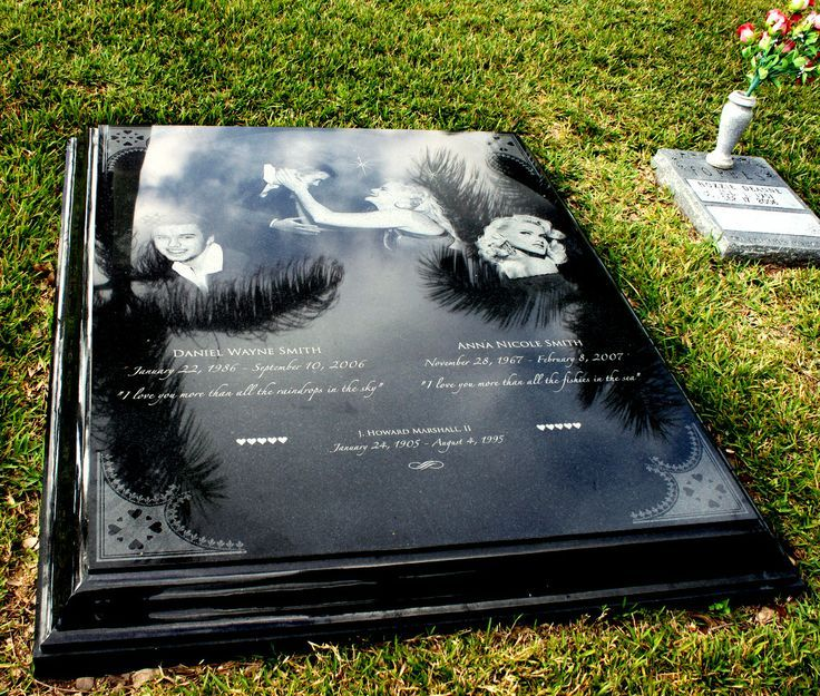 Anna Nicole Smith's grave in the Bahamas shares a Gravestone with her son, Daniel Wayne Smith who passed just five months before her
