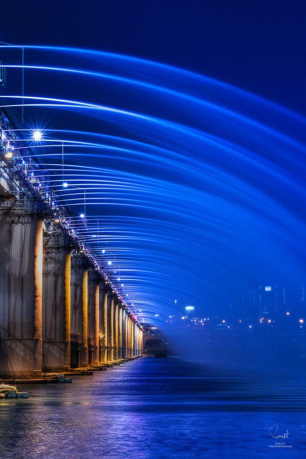 Photo Banpo Bridge South Korea by Somchat Thavornvattanayong on 500px