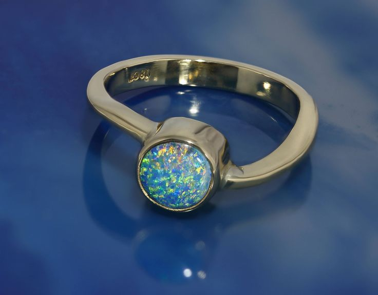 Lightning Ridge Black Opal Ring in Solid 18k Gold by DesertFlameOpals on Etsy