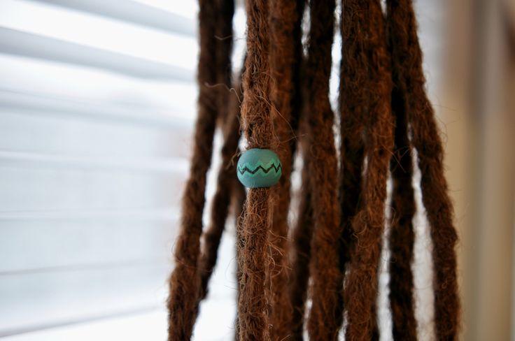 Indians+Originál+Beads+for+dreads+Od+indiánského+kmene+Dřevěný+korálek+++akrylové+barvy+Průměr+:+3-5mm
