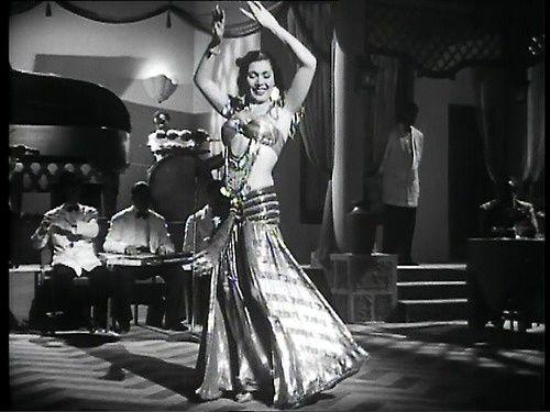 Danseuse orientale légendaire: Tahia Carioca