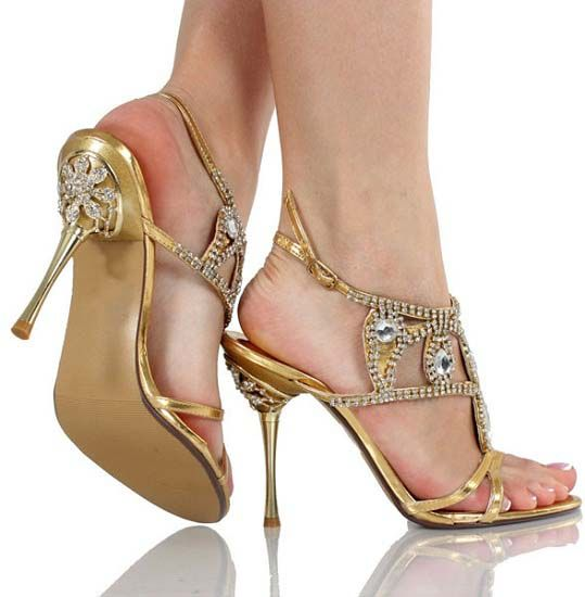Google Image Result for http://www.newfashionmod.com/wp-content/uploads/2012/09/Girls-latest-Shoes-Designs-2012.jpg