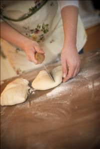 www.wow-a2z.com member  'Cocoa & Heart'. Chocolate making and bread baking workshops.