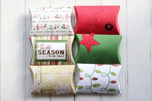 スクラップブッキング用のペーパーでピローボックス(Pillow Box) を作りました。 クリスマスバージョンです。 1枚では強度がないので、ペーパーを2枚に...|ハンドメイド、手作り、手仕事品の通販・販売・購入ならCreema。