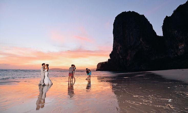 Pre wedding photo from various locations in Krabi such as Koh Hong, Koh Poda, Phra Nang beach, Nopparat Thara beach, Railay beach  Photograph by www.lovedezign.com