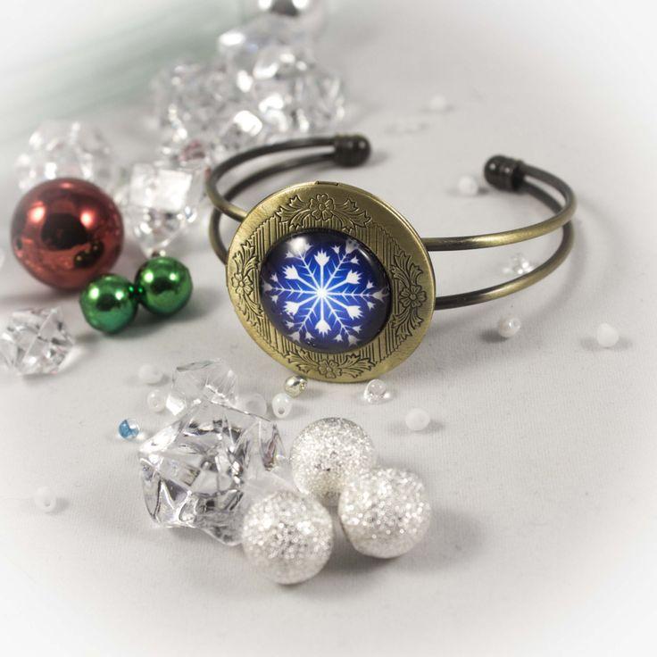 Christmas Snowflake Cuff Bracelet Memory Locket 91828BSC by LaraBellaJewelry on Etsy