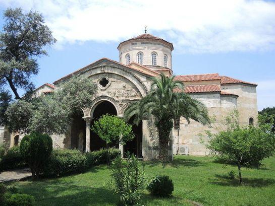 L'Eglise Sainte-Sophie (Hagia Sophia) de Trabzon, construite au 13ème siècle, sur une colline au-...