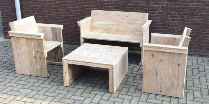 Hocker, bankje en 2 stoelen.  www.trendyhout.nl
