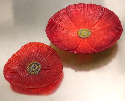 I'd #engrave the #glass ! #fused #red #poppy #flower #bowls