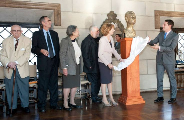 Crown Princess Margarita of Romania and Prince Nicholas unveiling a bust of King Michael - 05.11.2013 (during an event that celebrates his 92nd birthday and name day.)