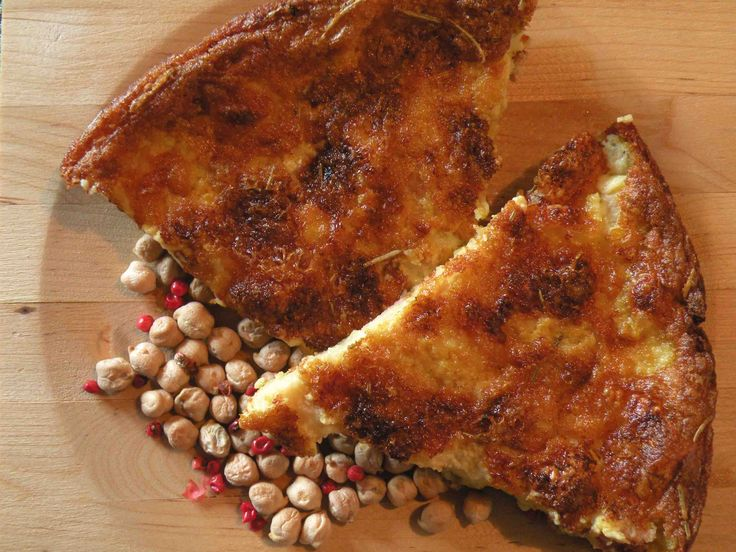 Chickpea farinata with smoked provolone and boiled ham