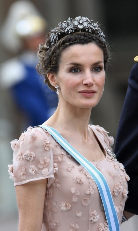 Princess Letizia of Spain...  Princess Jade's dress is similar, but with many more little flowers.  Wow!