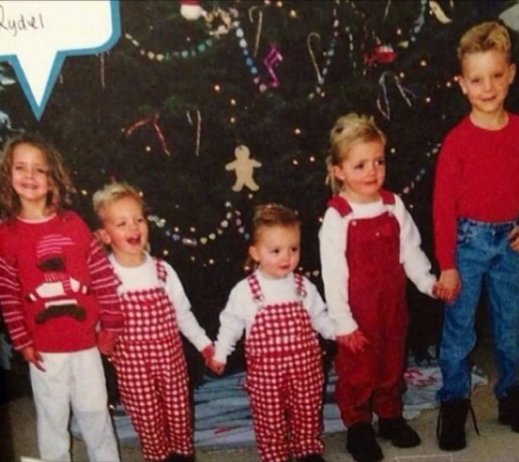 f37e7170f4 Celebrate Christmas Like Rydel Lynch!