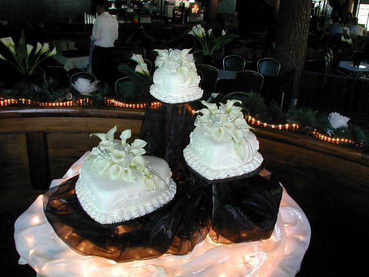 heart shaped wedding cakes | White Hearts Wedding Cake | Cakes On The Move