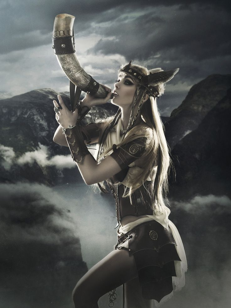 mererecorder:  Valkiria by *RebecaSaray
