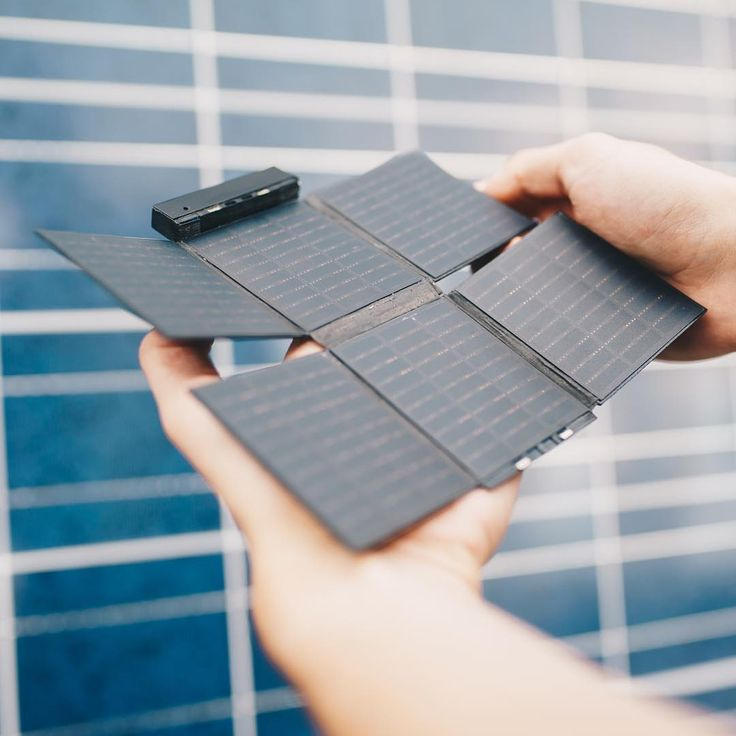 Say goodbye to 'low battery anxiety' thanks to the Sunslice charger ! #solar #charger #sunslice #battery #smartphone #solarpanel #solarcharger #sun #traveler #nomad #kickstarter #crowdfunding #november