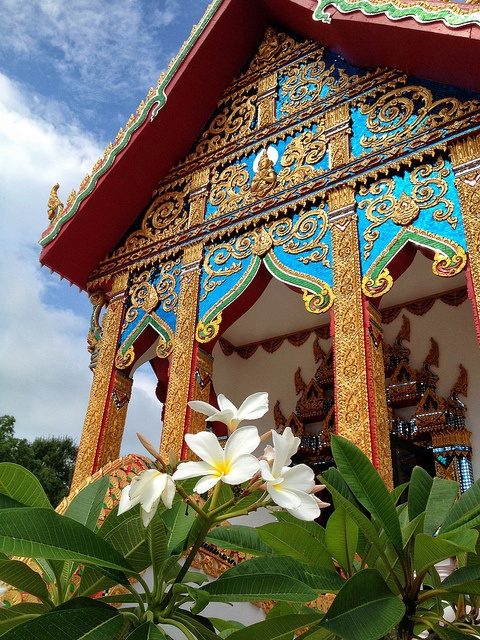 Visiting this Laotian Buddhist temple outside of Lafayette, Louisiana made me want to visit Laos and Thailand.