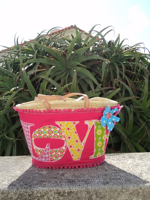 Pink basket, handmade by Carolina Bernardo