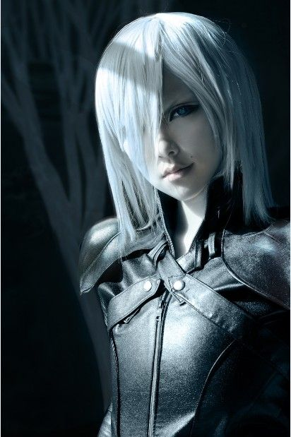 cosplay-soul:  Kadaj (FINAL FANTASY VII ADVENT CHILDREN)