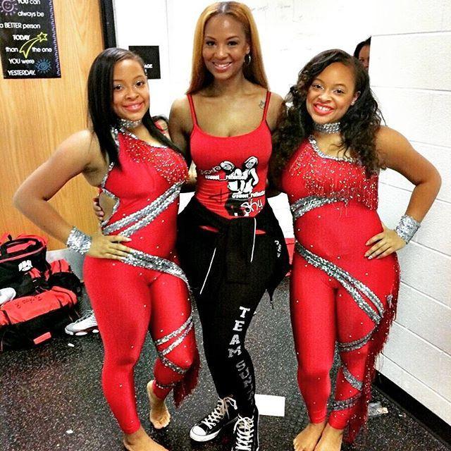 #BuckOrDie #Texas #TeamSky #TeamStar #DD4L #Twins #Sisters #Love
