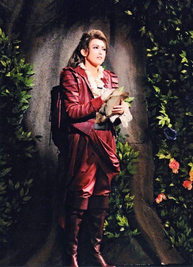 宝塚歌劇団宙組公演「Shakespeare」 : 日本経済新聞