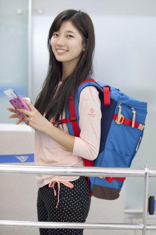 Korean Bag Trend: Bean Pole is Bae Suzy's Favorite