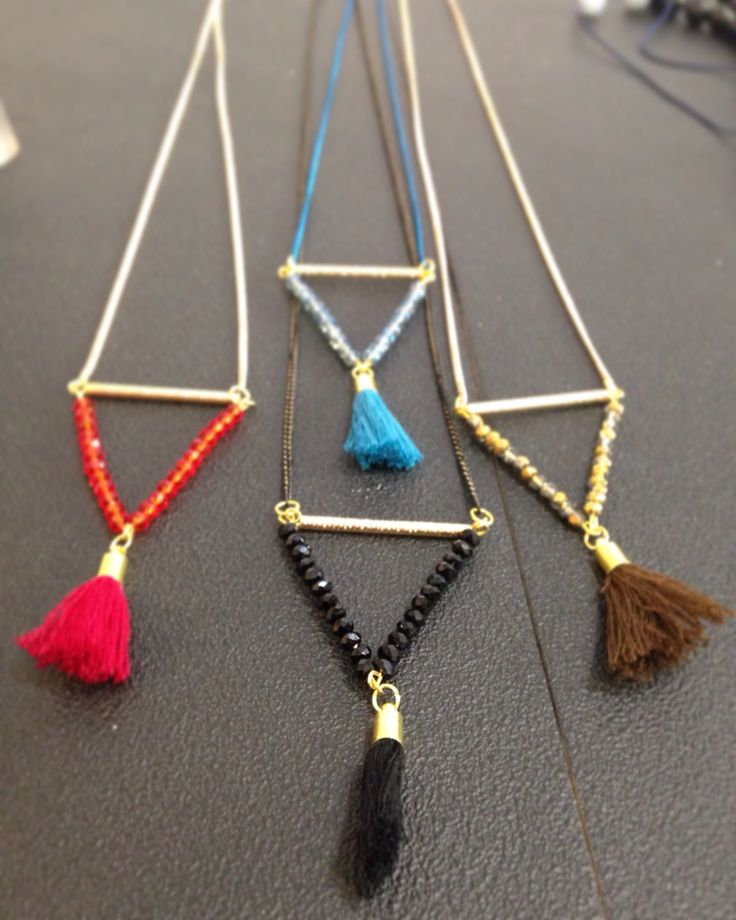 Triangles necklaces