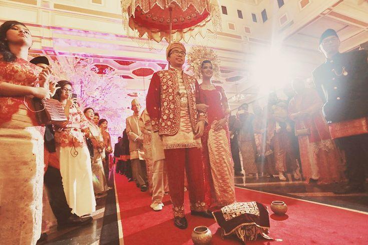 Red and Gold Minang Wedding of Inda and Dani - Antijitters_Photo_minang_wedding_0063