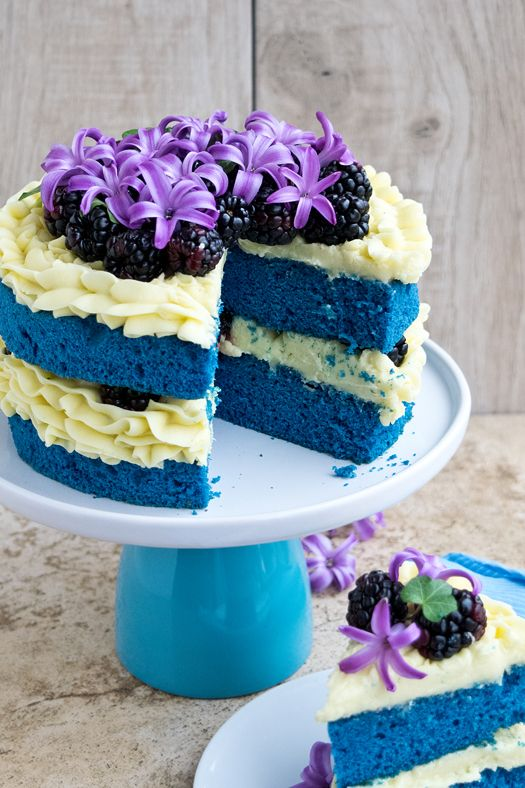 blue velvet cake 3