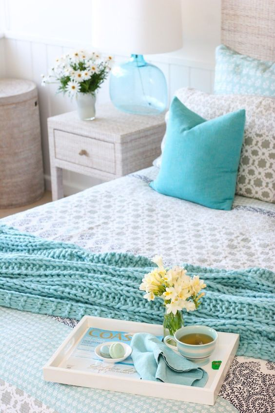 Dreamy blue and white beach cottage style bedroom #beachdecor