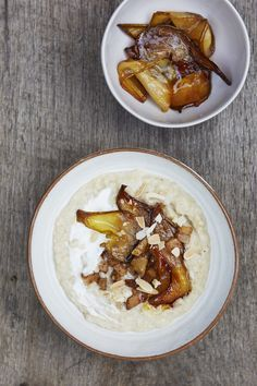 Caramelised coconut cinnamon pears on porridge – Honestly Healthy Food