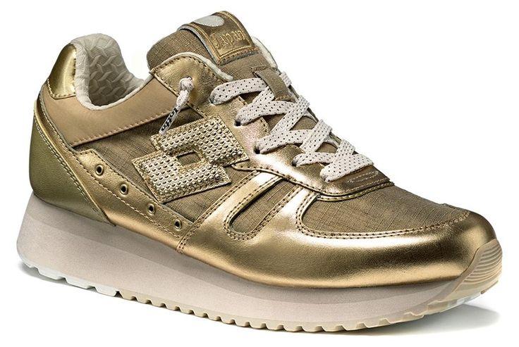 http://www.lottoleggenda.it/it/collezioni/donna/tokyo-wedge-w/pelle-metallizzata/gold-star-white-antique