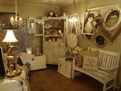 booth display {from dream in cream}  Use my long long hook board..Crosby