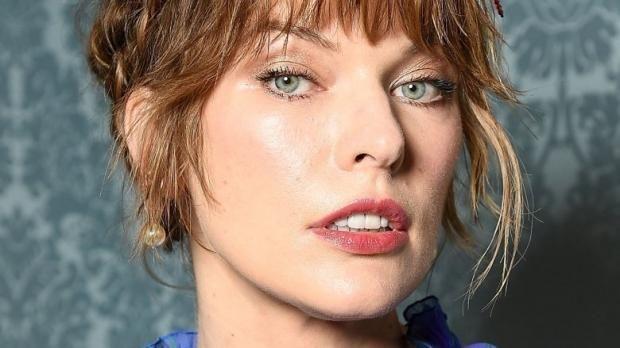 Resident Evil Star In Monster Hunter Movie 2020 Set Release Monster Hunter Movie Milla Jovovich Hollywood Actresses