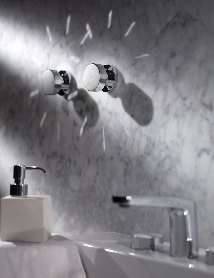 Texture Collection - Meneghello Paolelli Associati design #fimacarlofrattini #fmacf #texturecollection #bathroom #rubinetteria #design #accessories #singlehook #chrome #luxury