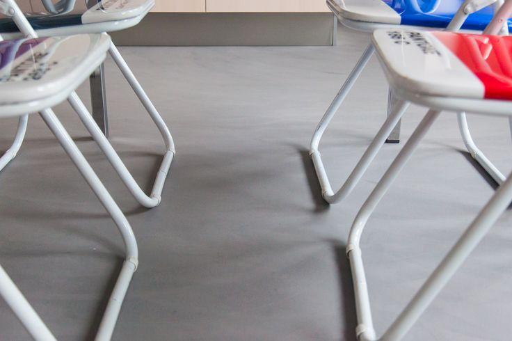 #resina effetto #velato by #Errelab onde di #grigio a #pavimento